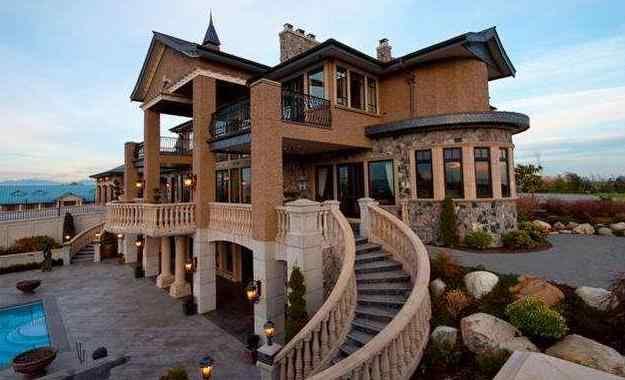 青岛的明星 baby和黄晓明青岛双层豪宅别墅曝光,像欧式古堡真的美上天啦!