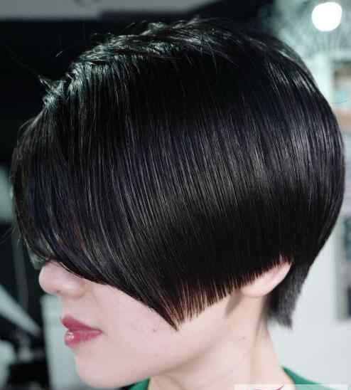 泳帽的作用 经常游泳的人如何保养头发 游泳爱好者的头发护理常识