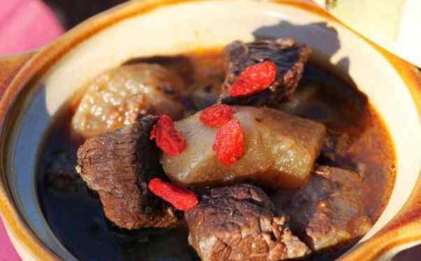 萝卜炖牛肉的家常做法 萝卜炖牛肉的材料和做法步骤