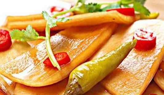 萝卜皮的功效 萝卜皮的功效与作用 吃萝卜皮的好处