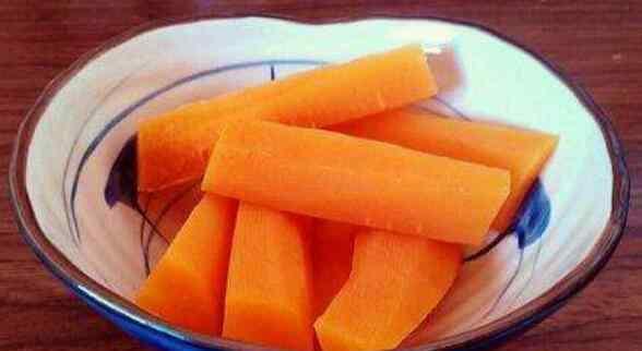 胡萝卜蒸着吃的功效 蒸胡萝卜的功效与作用及禁忌