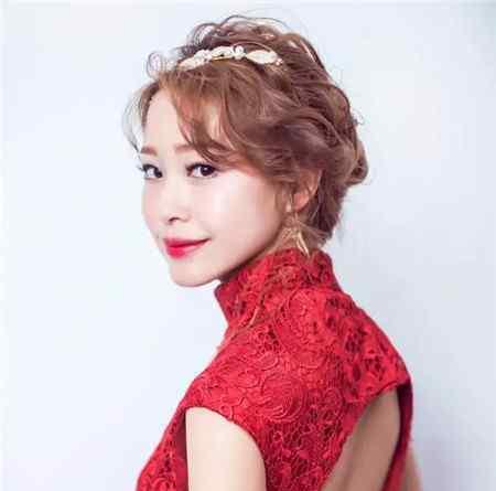 红色晚礼服 适合红色晚礼服的发型 新娘敬酒发型款式