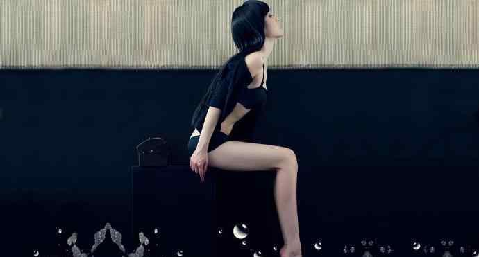 朴智恩 爸爸舔我下边,超短裙校花-错落的年华