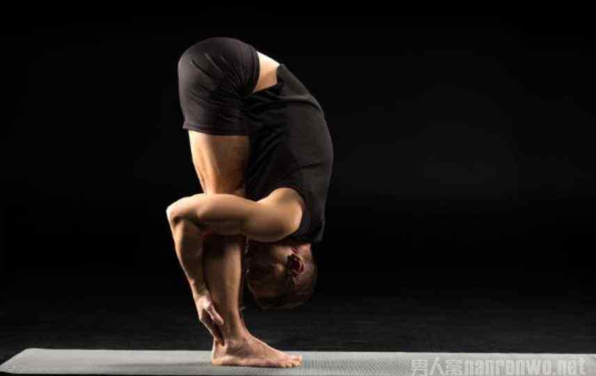 男士瑜伽 不要再做那些激烈的身体运动了 男士瑜伽了解一下