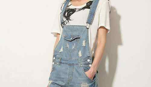 背带裤的搭配 牛仔背带裤怎么搭配好看,怎么选择
