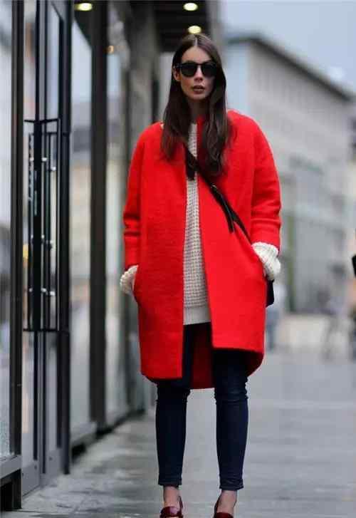 风衣怎么搭配 红色风衣怎么搭配 八种搭配任你挑选
