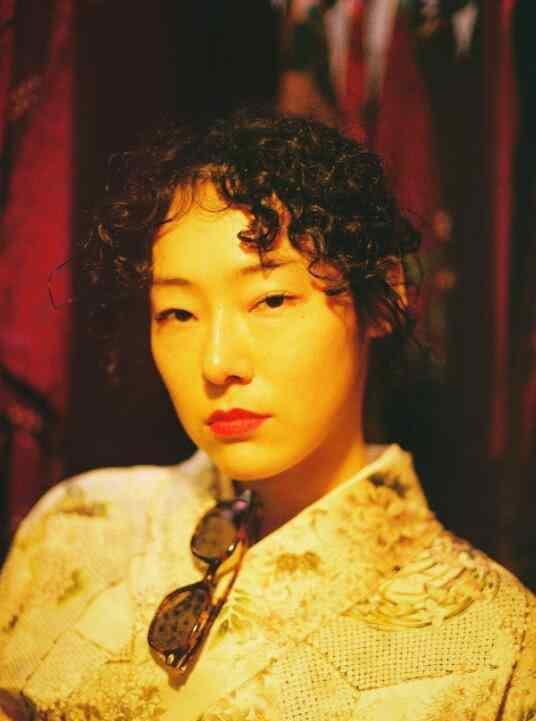 赤坂沙世 来自东京的赤坂沙世不仅仅是一位模特