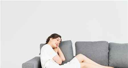 例假来身体疲倦嗜睡 月经期间嗜睡正常吗 经期想睡觉是正常的吗?