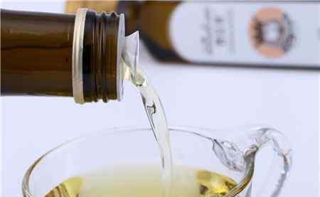 油吃多了对身体的危害 亚麻籽油吃多了伤肝吗