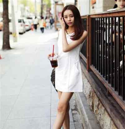 夏天美女街拍图片 重庆美女街拍超火辣  炎炎夏日大秀迷人曲线