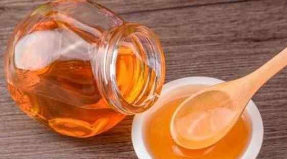 吃蜂蜜不能吃什么 喝蜂蜜水的禁忌食物 喝蜂蜜水不能吃哪些食物
