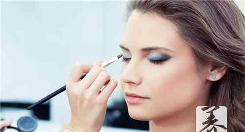 基础化妆 基础化妆的正确步骤是什么?