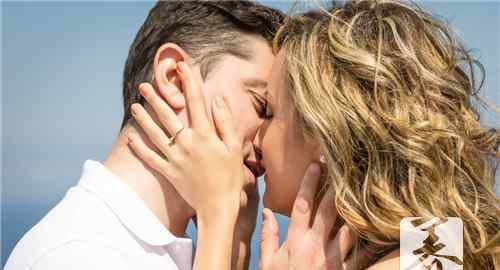 男人为什么喜欢接吻 男人为什么喜欢亲女人的嘴
