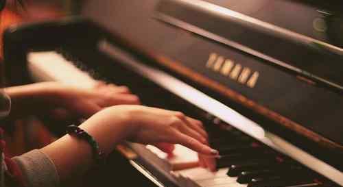 """乐器之王是哪个乐器 钢琴为何被称为""""乐器之王""""? 钢琴的特点是什么?"""