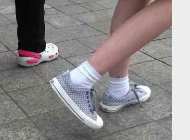 罗口袜 袜子图片,目前比较流行的运动袜!