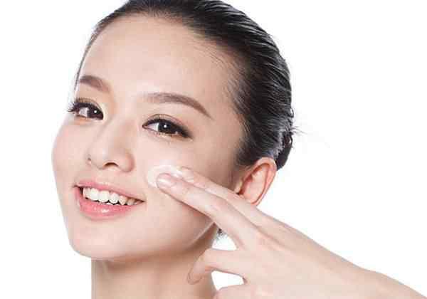 最基本的化妆步骤 化妆的步骤,清洁面部是上妆前最基础的步骤!