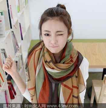 新款丝巾 流行什么丝巾 分享秋冬时尚新款丝巾