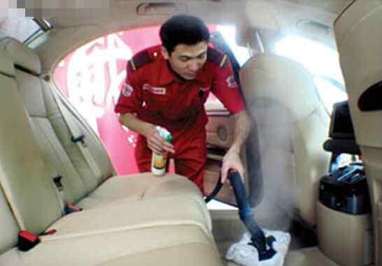 汽车泡沫清洁剂 汽车内饰清洗,应该使用专业的泡沫清洗剂!
