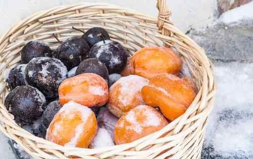 冻梨是什么梨 东北冻梨是什么梨做的 冻梨为什么是黑色的