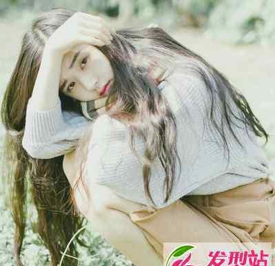 长发及腰图片 女生长发烫发卷发 长发及腰大波浪卷发图片大全