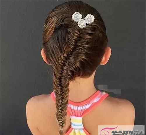 小女孩童发发型图片 最新最全儿童编发图片 美美的30款小女孩编发