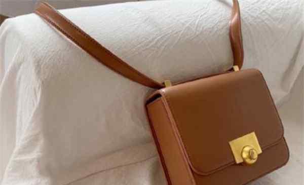 小mk是什么牌子的包包 小mk是哪个国家的品牌 小mk和mk一样吗