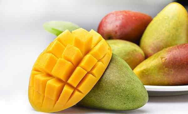 青芒果 青芒果和黄芒果的区别 今天终于明白了