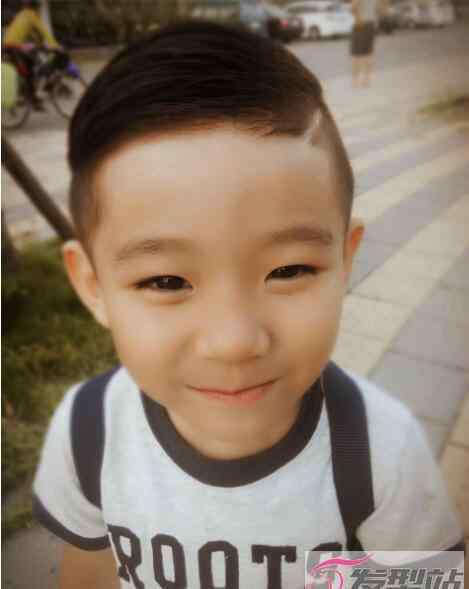男童帅气发型图片 小男童超短发发型图片 帅气从小培养实在太萌了