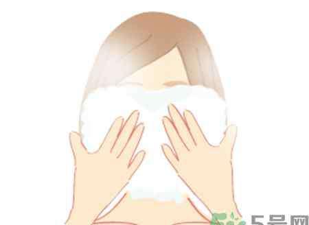 用热毛巾敷脸有什么好处 热毛巾敷脸有什么作用?秋天用热毛巾敷脸的好处