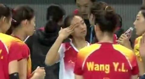 【厉害】2019军运会中国八一女排亮相 3比0轻取美国队