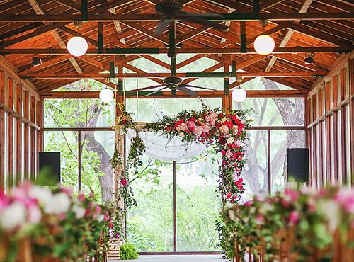 婚礼现场花门图片 不同类型婚礼花门分析
