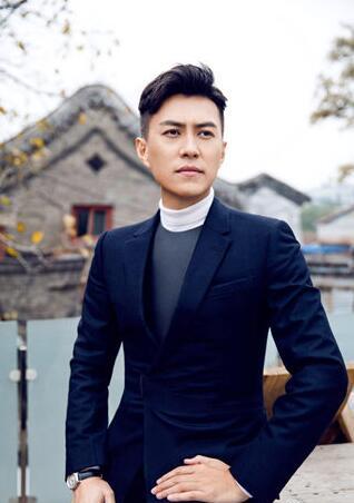靳东家庭背景公开 从小父母离异父亲经商系超级大富豪