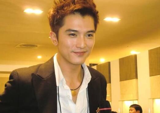 【一雪前耻】邱泽获得亚洲之星奖 网友:被外表耽误的实力派演员