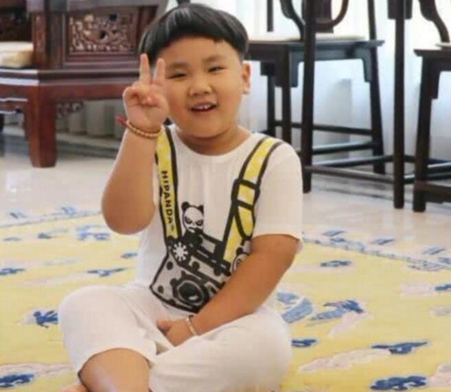 【惊呆了】郭德纲5岁小儿子近照 网友看后表示绝对亲生!
