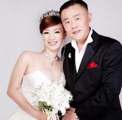 周立波老婆胡洁简介惊人 浙江知名富婆曾离婚有3个孩子