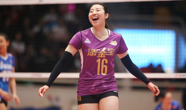 女排亚洲杯五连冠 3-0横扫对手日本