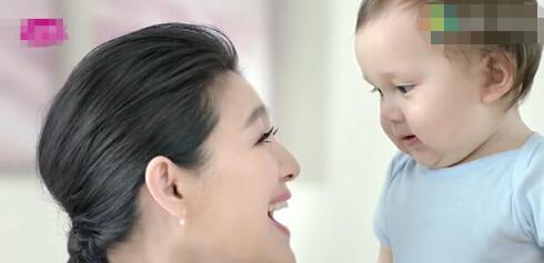 大s产子婆婆看孙被遭拒 二胎是试管婴儿怀孕的照片曝光