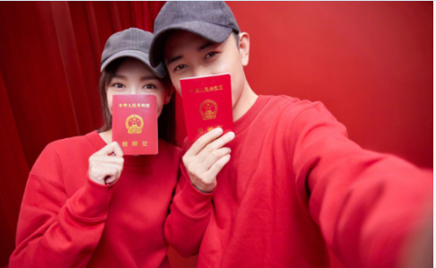 唐嫣罗晋最新消息2018:晋嫣宣布婚讯 网友心疼胡歌被催婚
