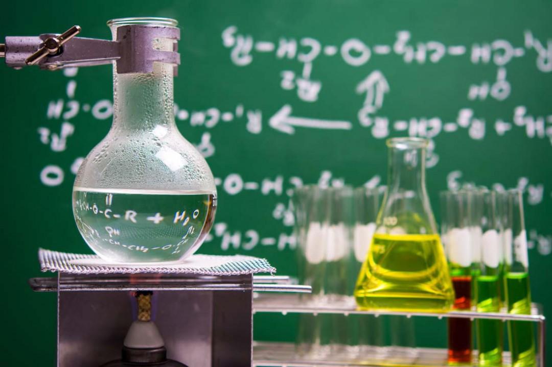 硝酸铵溶于水化学式 硝酸铵溶于水的化学方程式