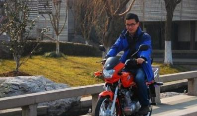 【定了】不戴头盔处罚仅限于摩托车 电动车暂不用罚了