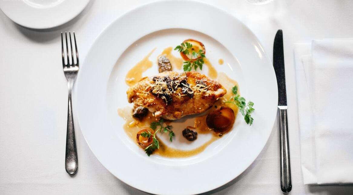 教你牛排吃法礼仪刀叉使用 西餐的餐桌礼仪