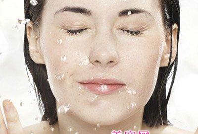 早上用盐水洗脸好吗?盐水洗脸的注意事项