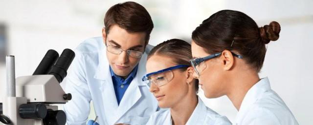 氧化铁和稀硫酸反应方程式 氧化铁和稀硫酸反应方程式简述