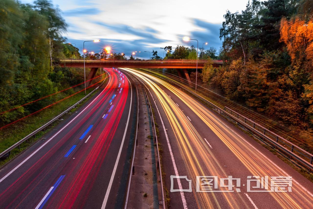高速上最低速度多少 高速公路最低时速标准应该是多少