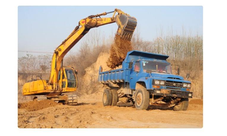 挖掘机的操作方法 挖掘机怎么操作