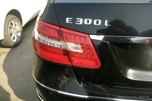 奔驰e260l尾灯拆装方法 其实很简单就可以安装