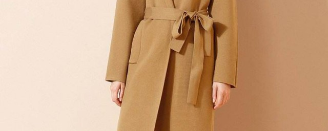 驼色大衣配什么毛衣 怎么搭配时尚又好看