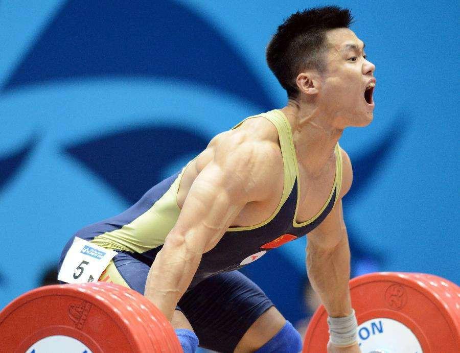 举重世界纪录 记录是500公斤