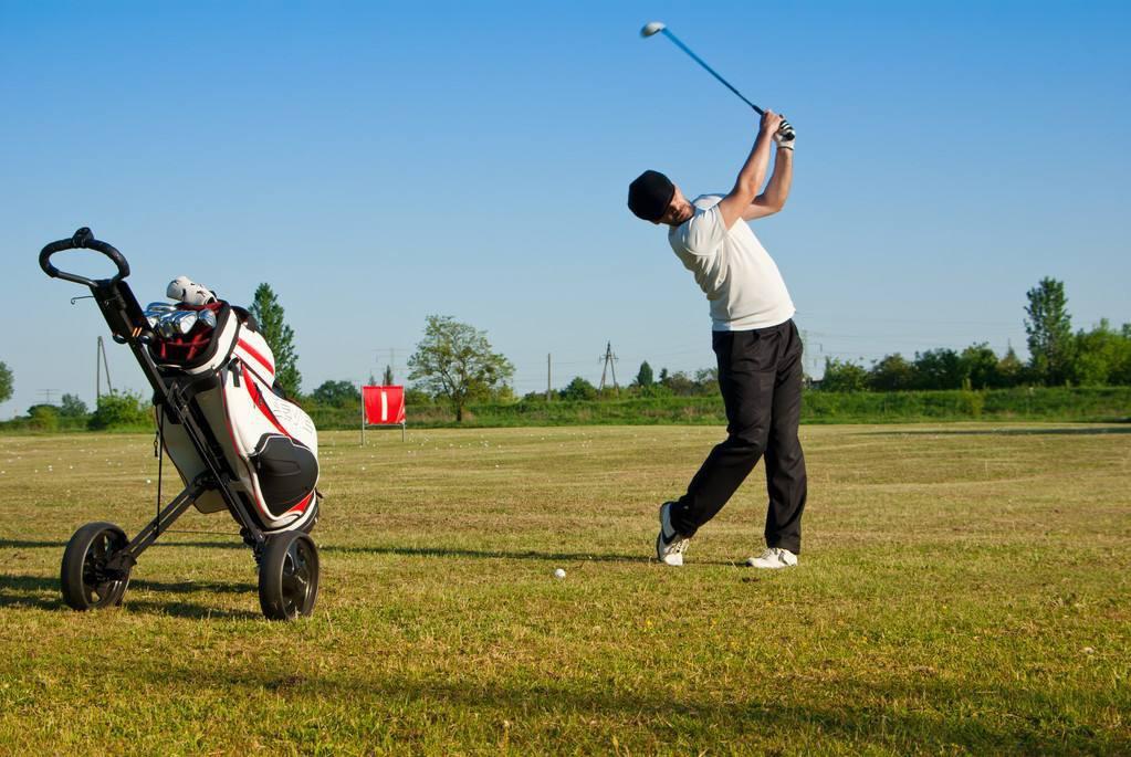 如何击打高尔夫球 击打高尔夫方法