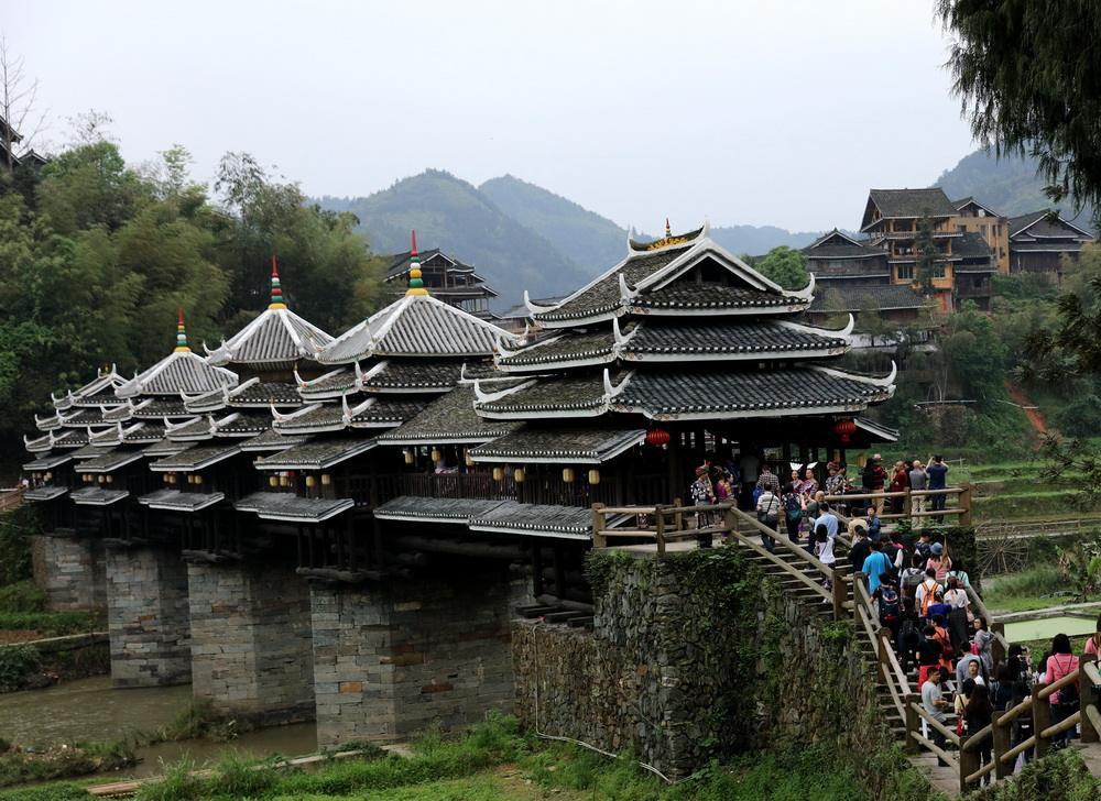 桂是哪个省的简称 该省位于哪里